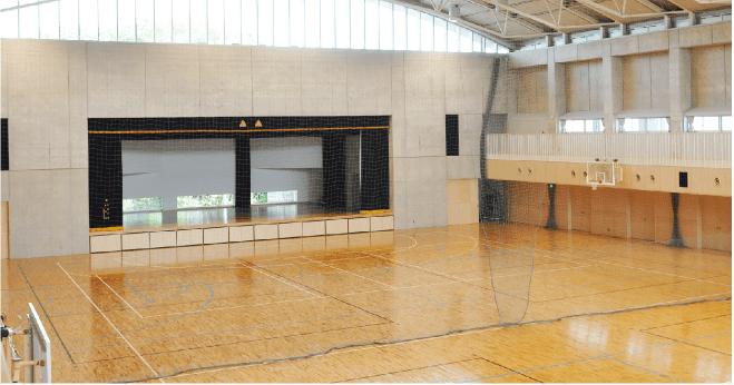 体育館内部
